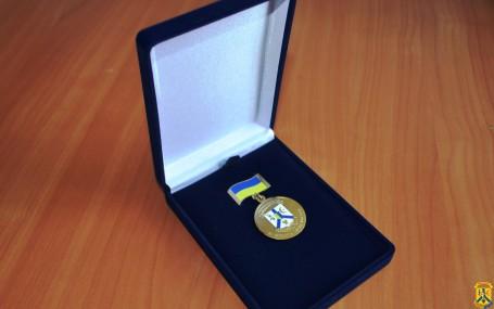 Медаль «За заслуги перед містом»